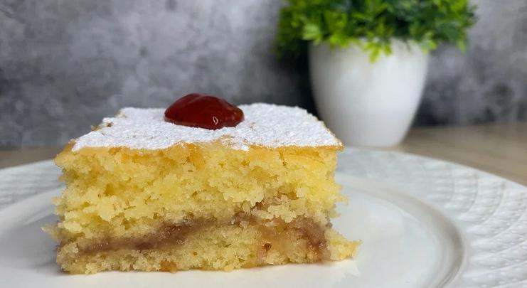 Смачний і швидкий пиріг, який тане в роті