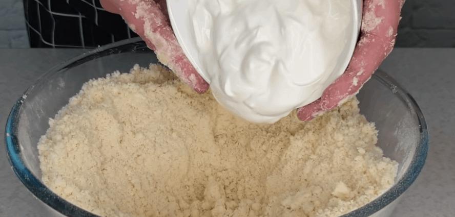 Апетитне пісочне печиво: просто скручуємо і нарізаємо