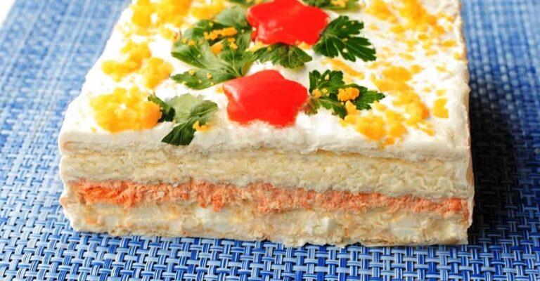 Закусочний торт з крекерів - рецепт приготування