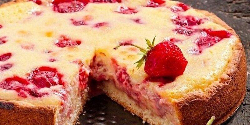 Пиріг з полуницею, детальний рецепт