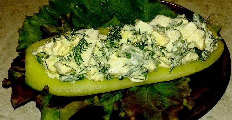 Рецепт фаршированих огірків з сиром і зеленню