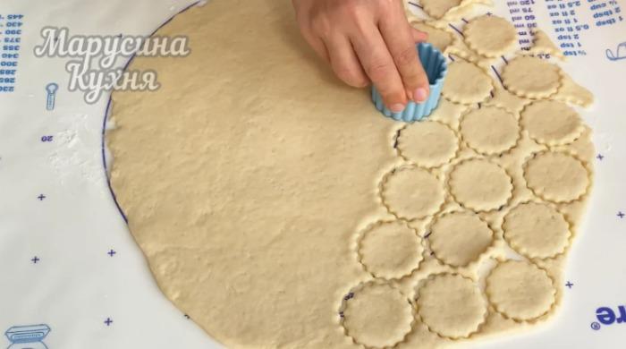 М'яке печиво на сметані, яке приємно готувати