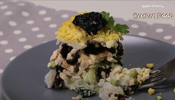 Салат з куркою - це не просто салат, а справжнє свято смаку