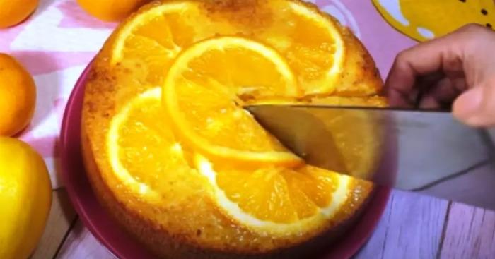 1 апельсин, 2 яйця і яскравий, ароматний пиріг готовий