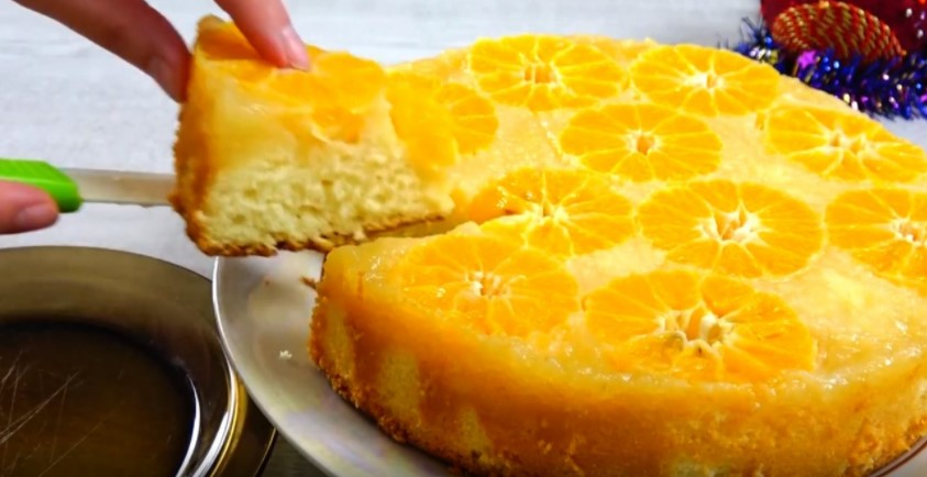 Заливаю мандарини тістом і пригощаю гостей «карамельним» пирогом