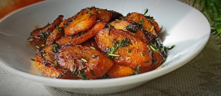 У мене не пропадає ні грама: готую і бадилля, і коренеплоди моркви. Та так, що пальчики оближеш